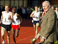 Roger Bannister rings the original record bell 06 May 2004 at Oxford College during the mile race, to mark the 50th anniversary celebrations for his 4 minute mile record