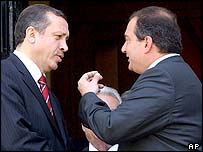Turkish PM Recep Tayyip Erdogan (left) and Greek PM Costas Karamanlis