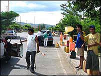 Roadside 'pimpineros' selling petrol