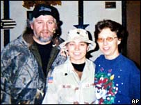 Lynndie England with her parents