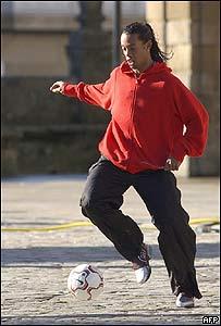 Ronaldinho durante la filmaci�n de un aviso publicitario