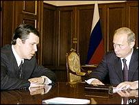 Chechen PM Sergei Abramov with Russian President Vladimir Putin