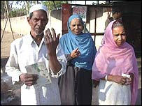 Yaqub, a voter, and his wife in Bhopal
