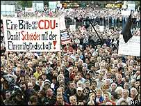 Protests in Leipzig against welfare reforms