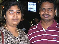 Moovarkku Mudhalvan Muniswamy (right) and his wife Aarthi