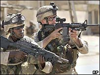 US soldiers in patrol in Samarra