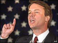 El candidato a la vicepresidencia, John Edwards