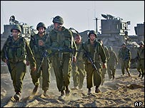 Israeli soldiers crossing into Gaza