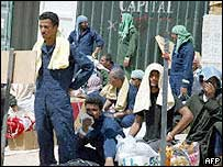 Iraqi POWs at Camp Bucca