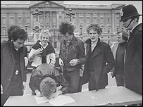 Sex Pistols and Malcolm McLaren outside Buckingham Palace, London, 1977