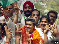 Jagdish Tytler with supporters