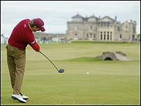 Graeme McDowell equalled the course record of 62 at St Andrews