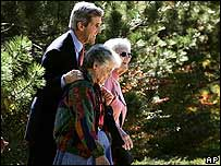 John Kerry  con voluntarias en Colorado