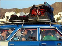Israeli tourists leaving Sinai after Taba/Nuweiba attacks