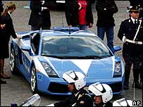 Police show off their new Lamborghini Gallardo in Rome