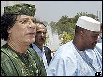Muammar Gaddafi (left) with his host Malian President Amadou Toumani Toure