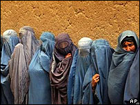 Afghan women waiting to vote in Kabul