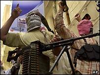 Shia militiamen, Karbala, 16 May 2004