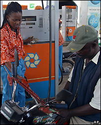 Petrol pump attendant files tank
