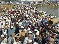 Crowds in Bangladesh