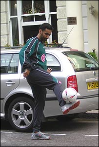 Hussam Fawzi shows his skills in London's Bayswater
