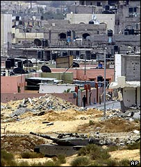 Israeli tank positioned near built-up area in Rafah