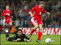 Craig Bellamy scores the winner in 2-1 win over Italy