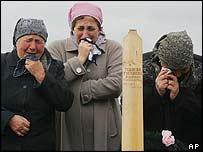 Women mourners in Beslan, 13 October 2004