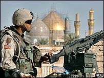 A US soldier with a machine-gun in Samarra, Iraq