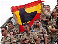 Spanish soldiers returning from Iraq