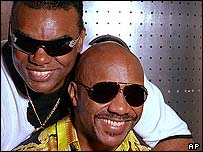 Ronald Isley (left) with his brother Ernie