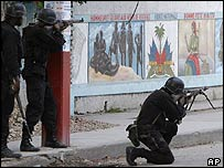 Haitian police take up position in Port-au-Prince