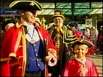 Town criers parade through Hastings
