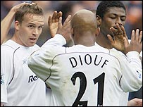 Kevin Davies (left) celebrates his goal with his Bolton team-mates