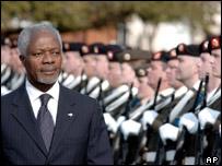 Kofi Annan reviews a guard of honour during his visit to Ireland