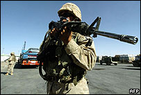 US marines secure the Iraqi border with Jordan