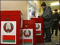 Belarussians voting