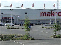Makro store