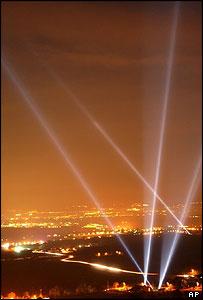Luces de celebraci�n por los 50 a�os del CERN