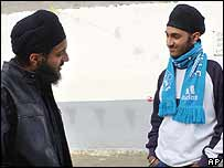 French Sikhs Ranjit (l) and Jasvir Singh, expelled from school over their turbans