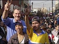 Niños mexicanos con el presidente Fox