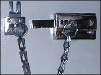 Keyed chain