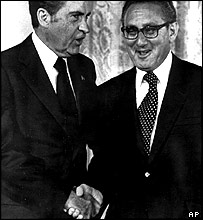 Richard Nixon (left) and Henry Kissinger (right)