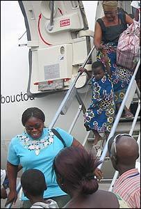 Liberian refugees returning home to Monrovia