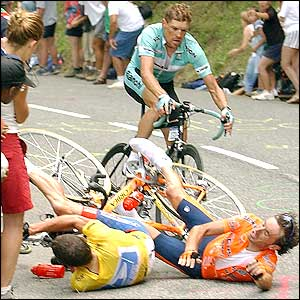 In one of the most dramatic stages in recent history, Armstrong fell on stage 14 but recovered to win