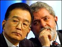 Chinese premier Wen Jiabao (l), Brazilian president Luiz Inacio da Silva