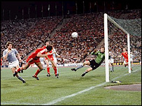 Trevor Francis heads home John Robertson's cross to win the cup