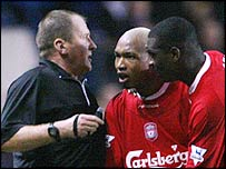 El Hadji Diouf argues with a referee