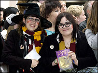 Fans at the European Harry Potter premiere in Leicester Square