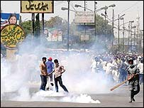 Tear gas in Karachi